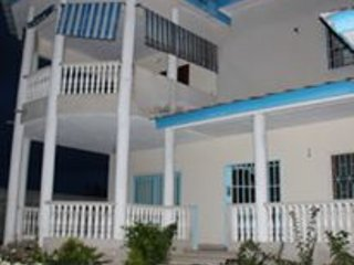 Nice Villa with Internet Access and A/C - Grand Bassam vacation rentals