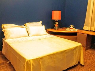 Comfortable Trani Private room rental with Internet Access - Trani vacation rentals