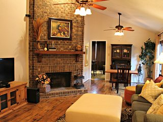 Comfy, Cozy, Safe, Affordable Home Sweet Home - Garland vacation rentals