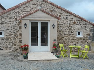 La Cachette Gite (The Hiding Place) - La Chapelle-Gaudin vacation rentals