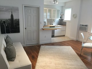 ! bedroom  1 step from lincoln road - Miami Beach vacation rentals