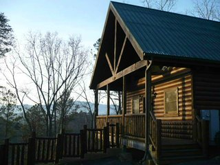 Perfect Honeymoon, Anniversary or Romantic Getaway - Pigeon Forge vacation rentals