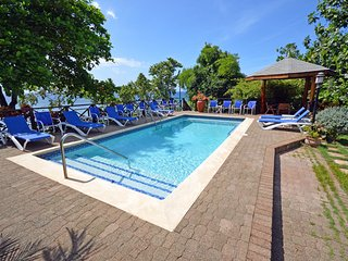 Idleawile - Rio Bueno 6 Bedrooms - Discovery Bay vacation rentals