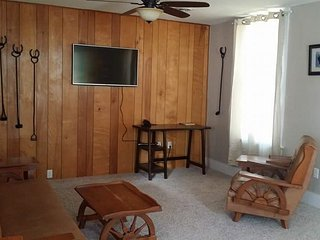 2 bedroom Cottage with Internet Access in Livingston - Livingston vacation rentals