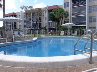 Cozy 2 bedroom Lauderhill Apartment with Television - Lauderhill vacation rentals