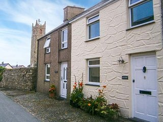 HADDEF luxurious accommodation, romantic, woodburner, WiFi, close to beach, in Nefyn Ref 933742 - Nefyn vacation rentals
