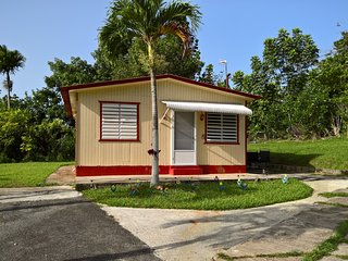 Lovely 2 bedroom House in Utuado - Utuado vacation rentals