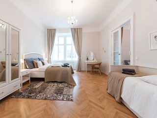 ElegantVienna- Capriccio, steps from the Cathedral - Vienna vacation rentals