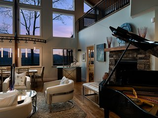 Opulent Home Mountain Views, Hot Tub, Fire Pit - Hendersonville vacation rentals