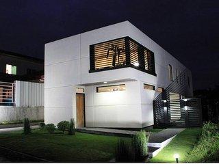 Modern Minimalist House Near SM,Samal&Airport - Davao vacation rentals