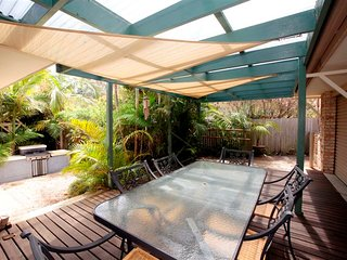 FRANGIPANI BEACH HOUSE - PET FRIENDLY  22 Belbourie Cres Boomerang Beach - Blueys Beach vacation rentals