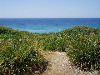 AGGIE'S BEACH HOUSE   -   32 Newman Ave Blueys Beach - Blueys Beach vacation rentals