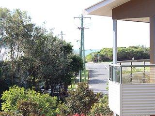 BOOM 5   -  5/11-13 Redgum Road Boomerang Beach - Blueys Beach vacation rentals
