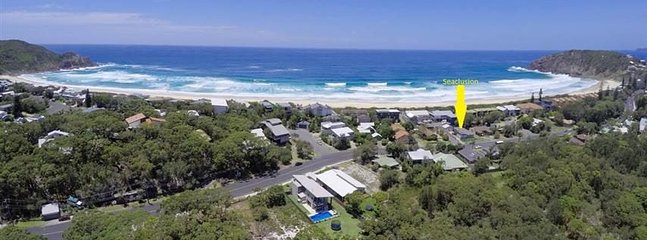 SEACLUSION   -   2/76 Boomerang Drive Boomerang Beach - Image 1 - Blueys Beach - rentals