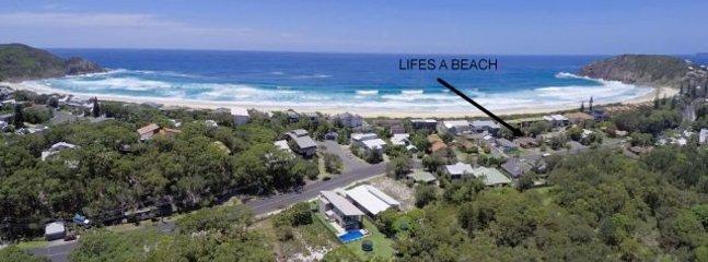 LIFES A BEACH 1   -   1/78 Boomerang Drive Boomerang Beach - Image 1 - Blueys Beach - rentals