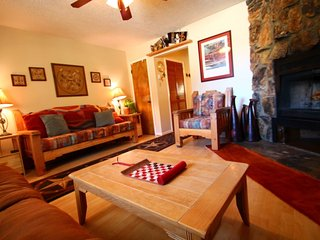 Valley Condos #126 - Corner Condo, WiFi, Fireplace-Wood, Washer/Dryer, Community Hot Tubs, Creek - Red River vacation rentals