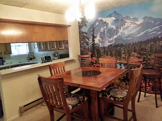Valley Condos #117 - WiFi, Fireplace-Wood, Community Hot Tubs, Playground, Creek - Red River vacation rentals