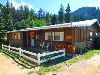 Ski Lope Lodge - Single-level Home in Town, WiFi, Satellite TV, King Beds, Washer/Dryer - Red River vacation rentals