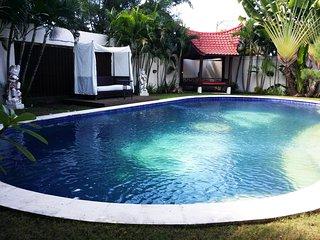 Green Twins Villa. Like home, 8 persons - Seminyak vacation rentals