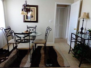 Nice Condo with Internet Access and Washing Machine - Fort Lauderdale vacation rentals