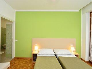 Residenza Emma - Appartamento per lavoro/studio - Villafranca di Verona vacation rentals