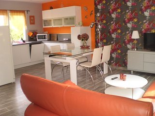 Nice House with Housekeeping Included and Grill - Miniac-Morvan vacation rentals