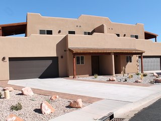 SG3 | ROOM FOR EVERYONE IN THIS UPSCALE MOAB CONDO - Moab vacation rentals