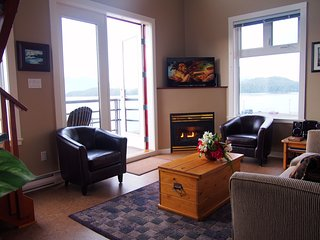 WaterFront Corner Unit w/ Vaulted Ceilings & Patio - Tofino vacation rentals