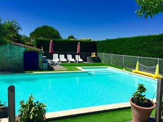 Hot tub, sauna & heated/fenced pool - Angles vacation rentals