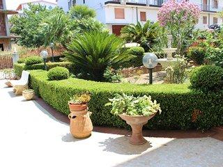Bright 3 bedroom Bed and Breakfast in Santa Domenica di Ricadi with Internet Access - Santa Domenica di Ricadi vacation rentals