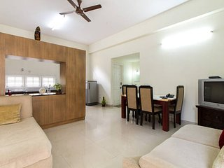 Cozy 2 bedroom Bangalore Apartment with Television - Bangalore vacation rentals