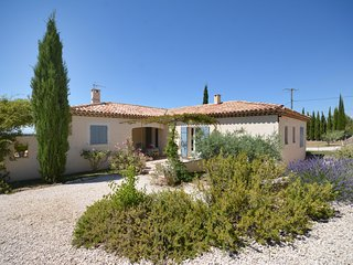 Nice Gite with Internet Access and Television - Venasque vacation rentals