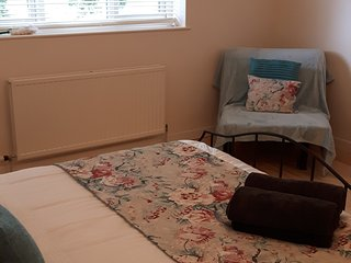 Comfortable 1 bedroom Bed and Breakfast in Penybont - Penybont vacation rentals
