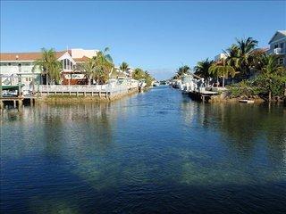 Beautiful Key Largo Oceanside Townhouse (Free WiFi - Key Largo vacation rentals