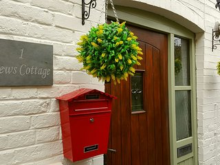 Mews Cottage, Ledbury Town Centre/Luxury/Sleeps 6 - Ledbury vacation rentals