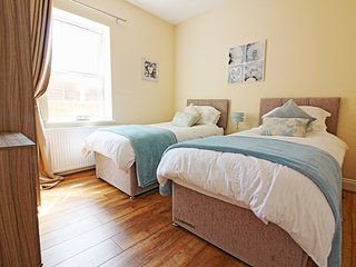 Comfortable Condo with Internet Access and Wireless Internet - Westcliff-on-Sea vacation rentals