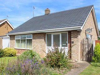NEWBY, bungalow, WiFi, parking, pet-friendly, lawned garden, in Gayton, Ref 933095 - Gayton vacation rentals