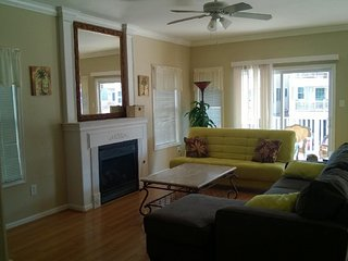Beachblock Beauty - 4BR/2BA w/garage near RIDES - Wildwood vacation rentals