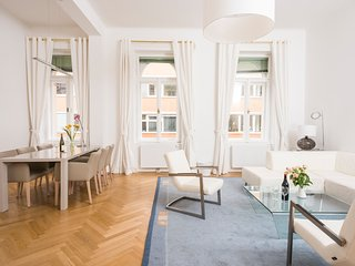 Executive Suite Margareten top 12 - Vienna vacation rentals