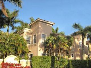 5 Room Lock-Out Golf, Tennis, SPA Resort Villa Suite (Nicklaus & Norman) - Palm Beach Gardens vacation rentals