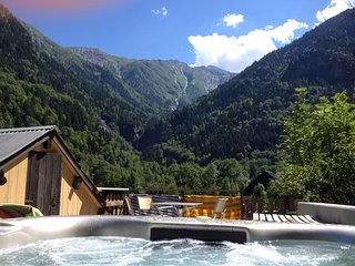 Chalet Chardon 2 Bedroom, Hot Tub, Wood Burner - Les Deux-Alpes vacation rentals