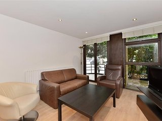 2 BR - Duplex, Bayswater / Queensway - London vacation rentals