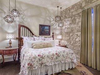 Shopkeeper's Inn Luxury B&B - Fredericksburg vacation rentals