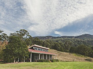 Willabrook Retreat - Mojo Cottage - Upper Kangaroo River vacation rentals