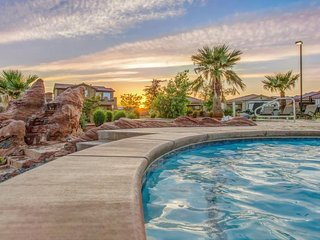 Brand new home with access to shared swimming pools and a 20-person hot tub! - Santa Clara vacation rentals