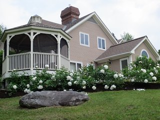 Spacious 5 bedroom House in Stowe with Deck - Stowe vacation rentals