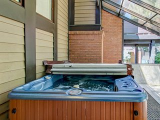 Home for 9 w/private hot tub & gas fireplace - Salt Lake City vacation rentals