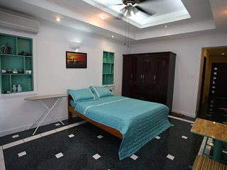 Big studio, nice bathtub, relaxed balcony In District 1 - Ho Chi Minh City vacation rentals