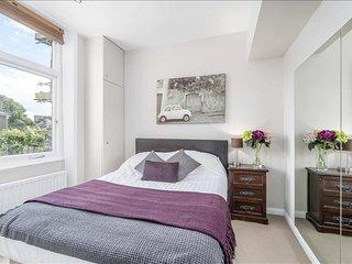 Posh Chelsea 2BR Apartment - London vacation rentals