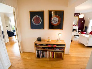 Comfortable Condo with A/C and Television - Paris vacation rentals